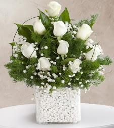 9 beyaz gül vazosu  Tekirdağ ucuz çiçek gönder
