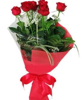5 adet kırmızı gülden buket  Tekirdağ yurtiçi ve yurtdışı çiçek siparişi