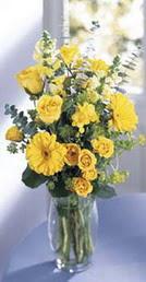 Tekirdağ cicekciler , cicek siparisi  sari güller ve gerbera cam yada mika vazo