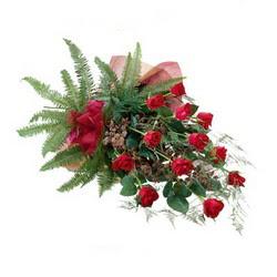 Tekirdağ cicekciler , cicek siparisi  10 adet kirmizi gül özel buket çiçek siparisi
