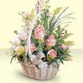 Tekirdağ hediye sevgilime hediye çiçek  sepette pembe güller