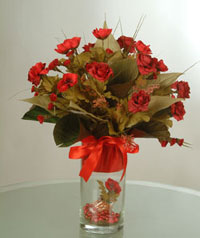 yapay güllerden vazo  9 gül  Tekirdağ anneler günü çiçek yolla
