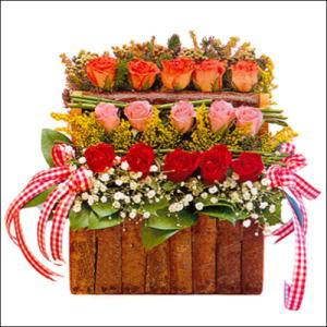sandikta 3 kat güllerden   Tekirdağ 14 şubat sevgililer günü çiçek