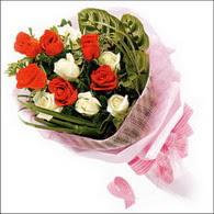 5 kirmizi 5 beyaz güllerden   Tekirdağ cicekciler , cicek siparisi