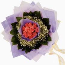 12 adet gül ve elyaflardan   Tekirdağ internetten çiçek satışı