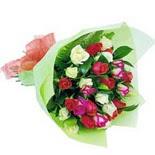 12 adet renkli gül buketi   Tekirdağ çiçek gönderme