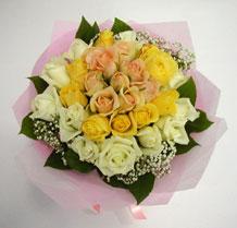 sari ve beyaz gül karisimda   Tekirdağ hediye çiçek yolla