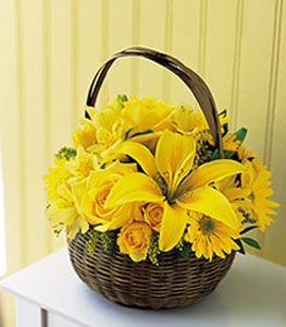sepet içerisinde sarinin sihri  Tekirdağ 14 şubat sevgililer günü çiçek