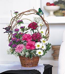 Tekirdağ 14 şubat sevgililer günü çiçek  sepet içerisinde karanfil gerbera ve kir çiçekleri