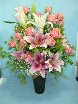 Tekirdağ internetten çiçek siparişi  cam vazo içerisinde 21 gül 1 kazablanka