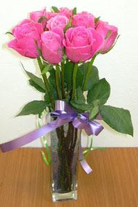 cam vazo içerisinde 11 adet gül  Tekirdağ internetten çiçek siparişi