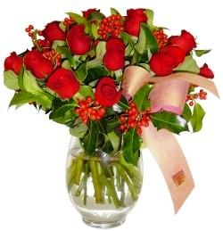 Tekirdağ internetten çiçek satışı  11 adet kirmizi gül  cam aranjman halinde