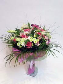 Tekirdağ çiçek siparişi sitesi  karisik mevsim buketi mevsime göre hazirlanir.