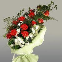 Tekirdağ çiçekçi mağazası  11 adet kirmizi gül buketi sade haldedir
