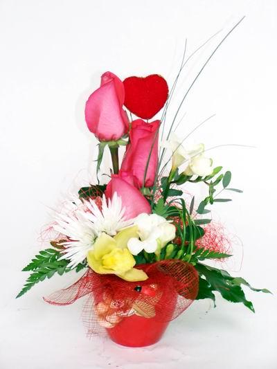 Tekirdağ çiçekçi mağazası  cam içerisinde 3 adet gül ve kir çiçekleri