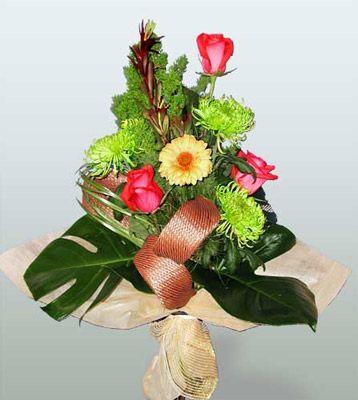 Tekirdağ çiçekçi mağazası  3 adet gül 4 adet gerbera çiçegi sade buket