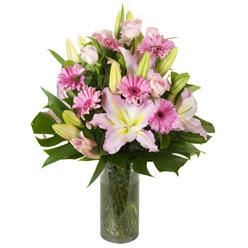 vazo içerisinde karisik mevsim çiçekleri  Tekirdağ online çiçek gönderme sipariş