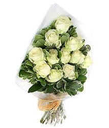 Tekirdağ İnternetten çiçek siparişi  12 li beyaz gül buketi.