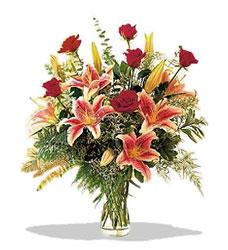Tekirdağ kaliteli taze ve ucuz çiçekler  Pembe Lilyum ve Gül
