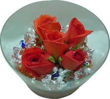 Tekirdağ hediye sevgilime hediye çiçek  5 adet gül ve cam tanzimde çiçekler