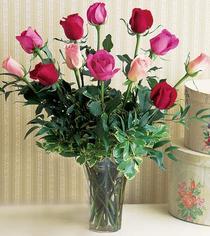 Tekirdağ güvenli kaliteli hızlı çiçek  12 adet karisik renkte gül cam yada mika vazoda