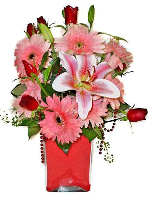 Tekirdağ uluslararası çiçek gönderme  karisik cam yada mika vazoda mevsim çiçekleri mevsim demeti