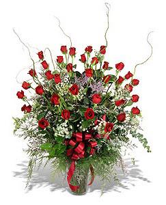 Tekirdağ çiçekçiler  33 adet kirmizi gül vazo içerisinde