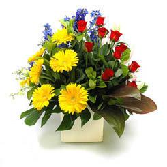 Tekirdağ cicekciler , cicek siparisi  9 adet gül ve kir çiçekleri cam yada mika vazoda