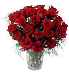 Tekirdağ çiçek gönderme  11 adet kirmizi gül cam yada mika vazo içerisinde