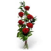 Tekirdağ çiçekçiler  cam yada mika vazo içerisinde 6 adet kirmizi gül