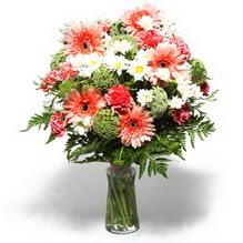 Tekirdağ çiçek siparişi vermek  cam yada mika vazo içerisinde karisik demet çiçegi