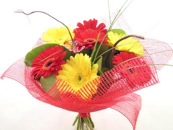 9 adet gerbera çiçeklerinden buket  Tekirdağ ucuz çiçek gönder