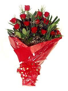 12 adet kirmizi gül buketi  Tekirdağ çiçek siparişi vermek