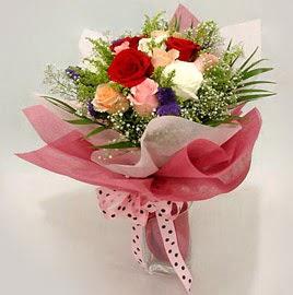 Karisik renklerde 11 adet gül buketi  Tekirdağ çiçek satışı