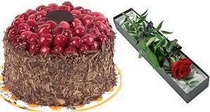 1 adet yas pasta ve 1 adet kutu gül  Tekirdağ anneler günü çiçek yolla
