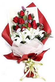 Tekirdağ çiçek siparişi sitesi  9 adet gül 2 adet kazablanka buketi