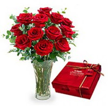 Tekirdağ internetten çiçek satışı  10 adet cam yada mika vazoda gül çikolata