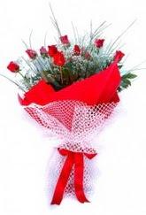 Tekirdağ çiçek yolla  9 adet kirmizi gül buketi demeti