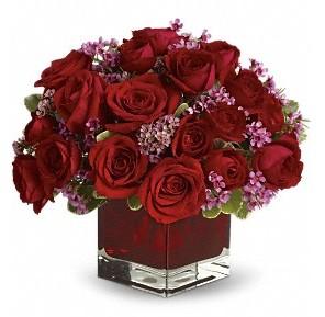 11 adet kırmızı gül vazosu  Tekirdağ çiçek siparişi vermek