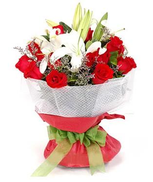 Tekirdağ çiçek siparişi sitesi  1 dal kazablanka 11 adet kırmızı gül buketi
