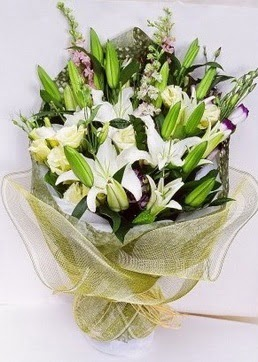 Tekirdağ kaliteli taze ve ucuz çiçekler  3 adet kazablankalardan görsel buket çiçeği
