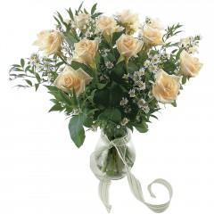 Vazoda 8 adet beyaz gül  Tekirdağ hediye sevgilime hediye çiçek