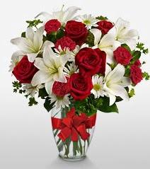 Eşsiz vazo tanzimi güller kazablankalar  Tekirdağ cicekciler , cicek siparisi