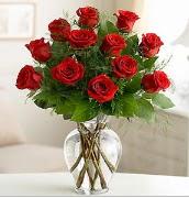Vazo içerisinde 12 kırmızı gül  Tekirdağ ucuz çiçek gönder