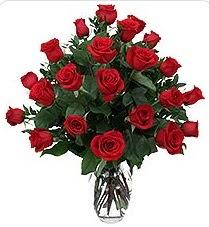 Tekirdağ çiçekçiler  24 adet kırmızı gülden vazo tanzimi