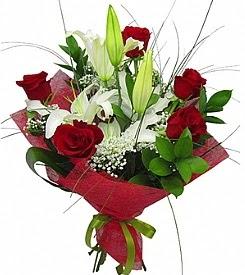 1 dal kazablanka 5 kırmızı gül buketi  Tekirdağ yurtiçi ve yurtdışı çiçek siparişi