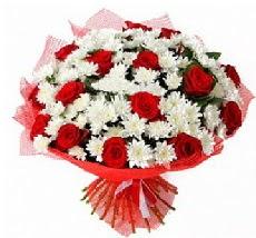 11 adet kırmızı gül ve 1 demet krizantem  Tekirdağ güvenli kaliteli hızlı çiçek