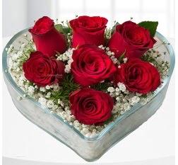 Kalp içerisinde 7 adet kırmızı gül  Tekirdağ kaliteli taze ve ucuz çiçekler