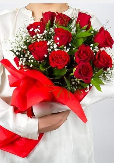 Aşk Gülleri 11 Adet kırmızı gül buketi  Tekirdağ çiçek , çiçekçi , çiçekçilik