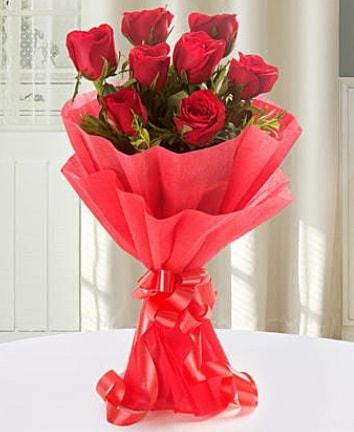 9 adet kırmızı gülden modern buket  Tekirdağ çiçek yolla